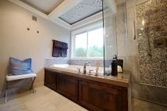 Candlelit-Grotto-Bathtub