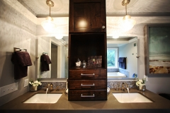 Full-Vanity-&-Sink-Cabinetry