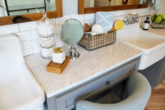 Bath-Vanity-Shelf-Accent