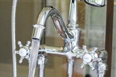 Custom-Claw-Tub-Bath-Faucet