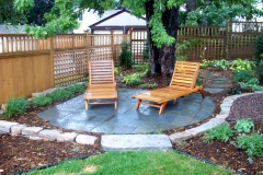 Retaining-Wall-Tiled-Patio-Landscaping